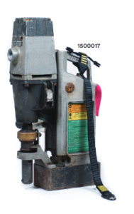 Use the 1500017 heavy tool cinch for attachment to heavy tools/objects at height.